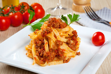 Noodels with meat sauce
