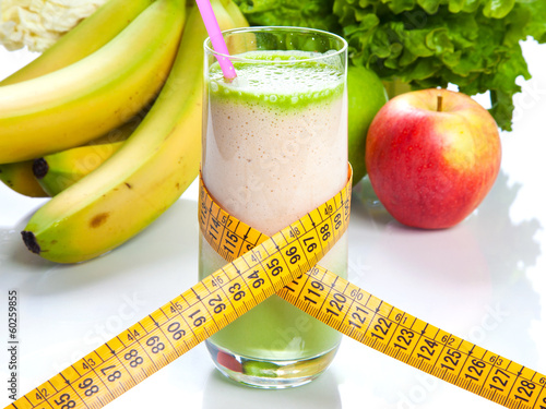 Leinwandbild Motiv Fruit juice - diet and fitness