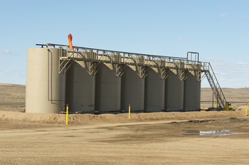 Oil Holding Tanks in North Dakota