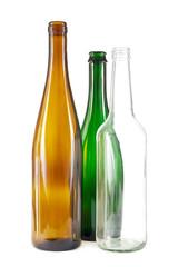Braune, grüne und weiße Glasflaschen