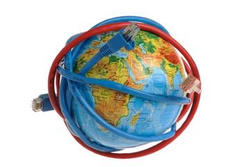 Глобус обмотанный проводами на белом фоне