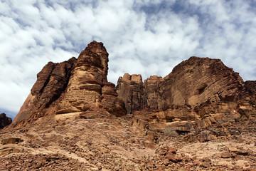 ワディラム砂漠の巨石群