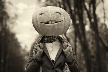 Halloween pumpkin head girl