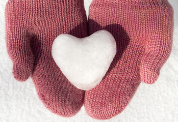 pink mittens with snow heart