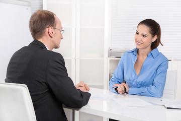 Beratungsgespräch in einer Bank oder Versicherung