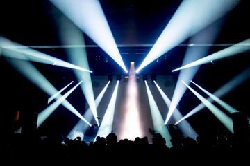 Konzertlichter auf einem Rockkonzert