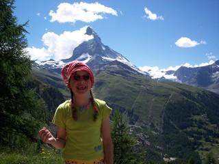 Mädchen vorm Matterhorn