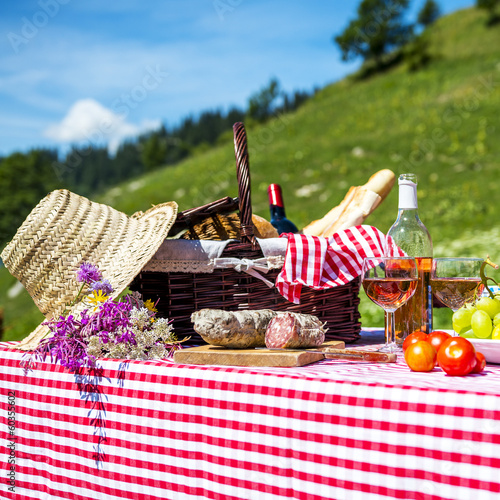 canvas print picture picnic on the grass