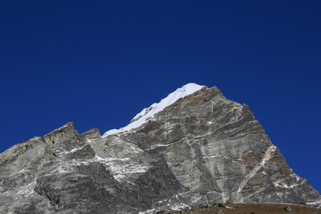 arakam tse peak beside of everest basecamp from everest trek nep