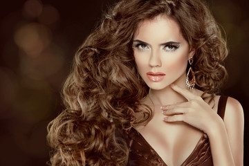 Beautiful brown hair, Fashion Woman Portrait. Beauty Model Girl