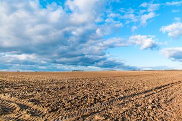 Agrarwirtschaft, Landwirtschaft, gepflügtes Feld, Ackerboden