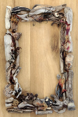 Seaweed and Driftwood Border