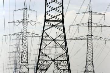 Stromleitung Strommast