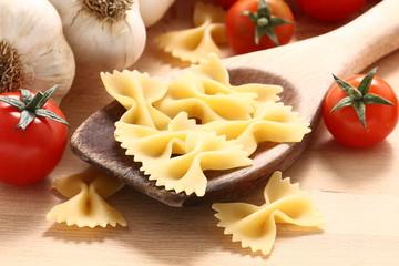 Pasta con pomodoro e aglio