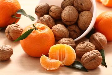Mandarini e noci