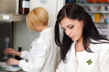 Pharmacist doctors in lab