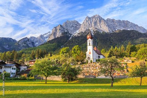 Leinwanddruck Bild Grainau village and Zugspitze top of Germany