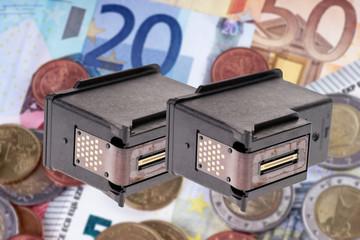 Druckerpatronen und Geldscheine - Recycling
