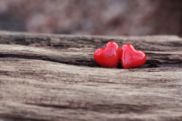 2 red hearts
