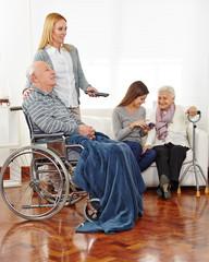 Betreuung von Senioren im Seniorenheim