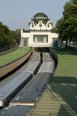 Hofpavillon with train