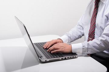 ノートパソコンのイメージ