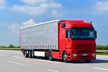 Transport von Waren mit LKW // truck shipping