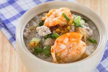 Rice porridge with shrimp