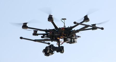 drone in volo.