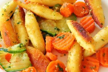 Schupfnudeln mit Gemüse (Karotten / Zucchini)