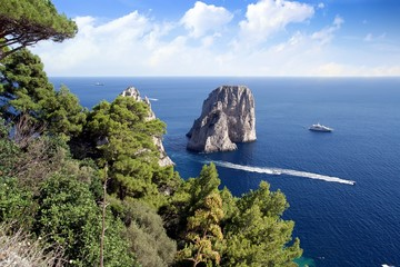 Il Faraglioni rocks in Capri island