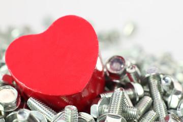 Ein Herz für Schrauben am Valentinstag