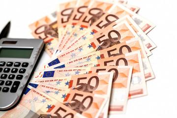 Euroscheine und Taschenrechner