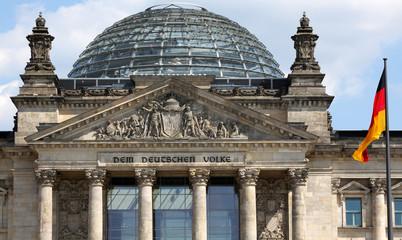 Deutscher Bundestag /  Reichstag (Frontalansicht)