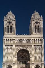 Eingang und Türme der Cathédral la Major in Marseille