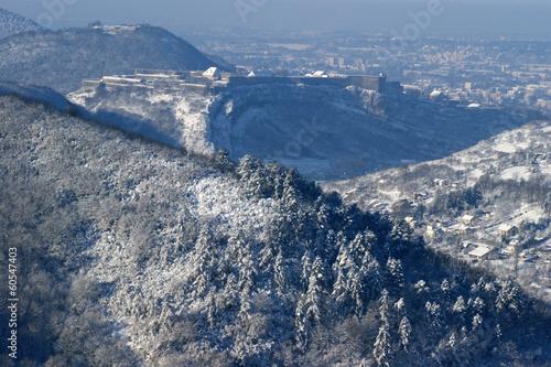Papiers peints Fortification Citadelle de Besançon sous la neige