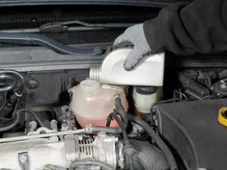 Coolant topping up