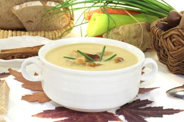 frische leckere Maronensuppe