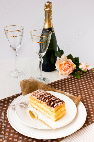 Millefeuille cake with champagne