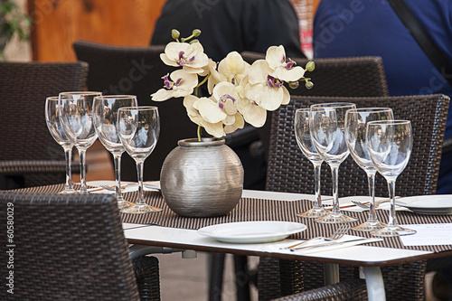 restaurant table - 60580029