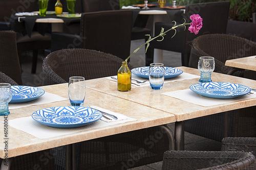 restaurant table - 60580043