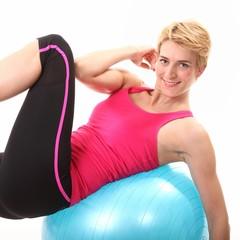 Bauchtraining auf Gymnastikball