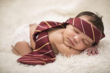 Newborn, Baby, schläft, Krawatte