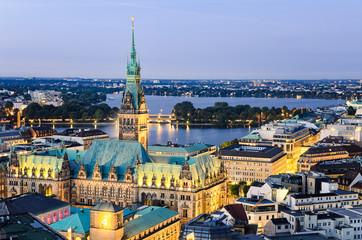 Rathaus Hamburg nachts