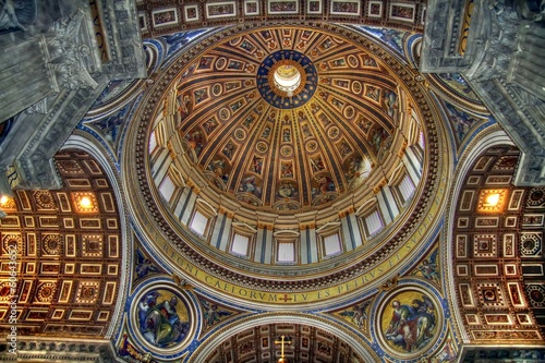Dome in the interior of the Vatican Basilica