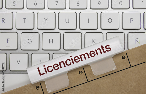 Licenciements. Clavier