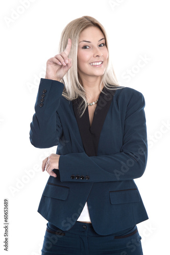 Clevere junge Geschäftsfrau lachend und isoliert im Portrait