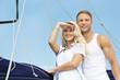 Segelsport - junges Paar auf Hochzeitsreise - Abenteuer pur