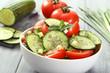 insalata cetriolo pomodoro e cipolla