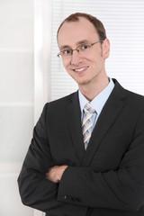 Portrait Businessman in Anzug und Krawatte